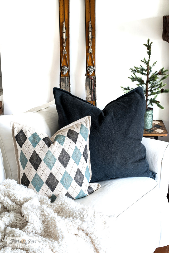Learn how to make this cozy Argyle pillow with Funky Junk's Old Sign Stencils and Heirloom from Fusion!