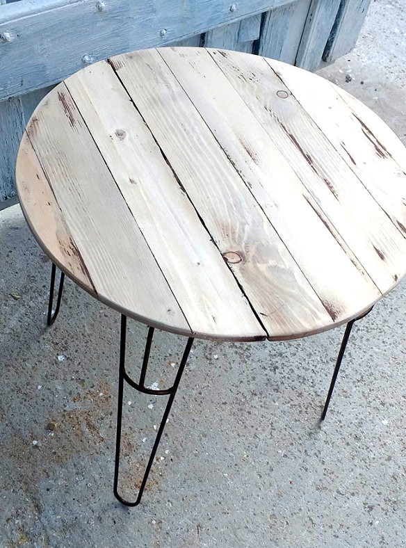 Reclaimed wood pin leg table by Junk 4 Joy, featured on DIY Salvaged Junk Projects 521 on Funky Junk!