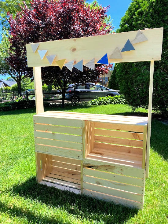 DIY crate lemonade stand by Homeroad, featured on DIY Salvaged Junk Projects 537 on Funky Junk!