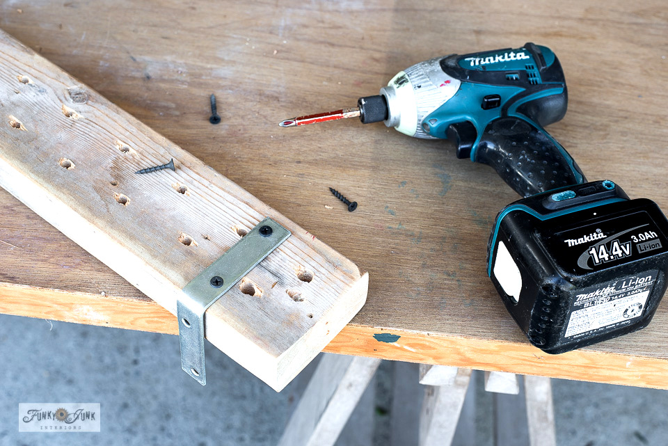 Learn how to build a wood screwdriver organizer to organize the workshop! Learn how to build a wood screwdriver organizer to organize the workshop! Visit for easy tutorial with a mini workshop tour! #workshop #organizing #tools #storage #woodworking