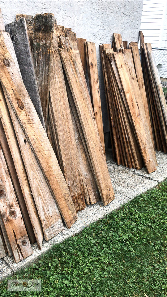 How to use reclaimed wood for making rustic signs.