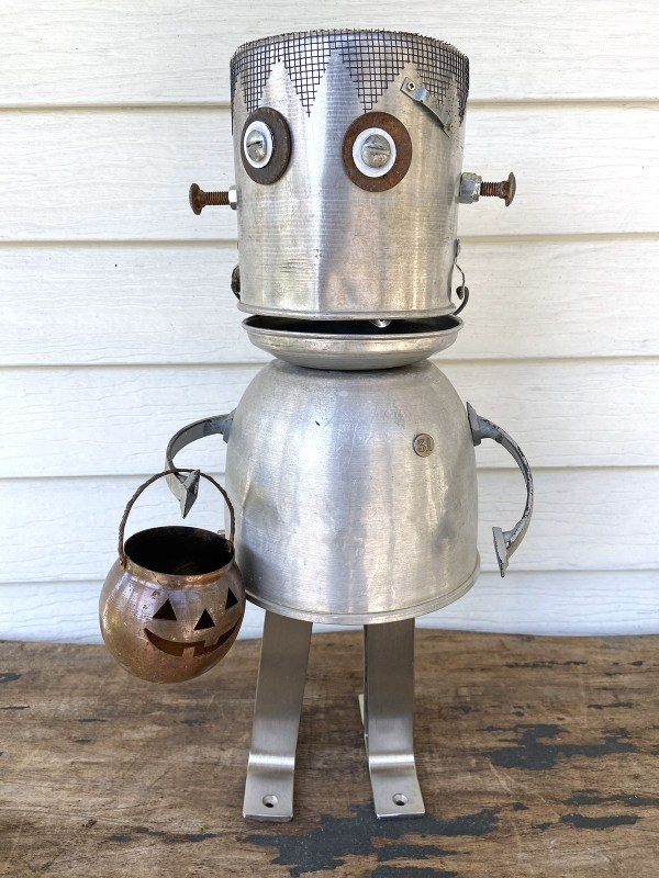 Junk robot by Wisconsin Magpie, featured on DIY Salvaged Junk Projects 549 on Funky Junk!