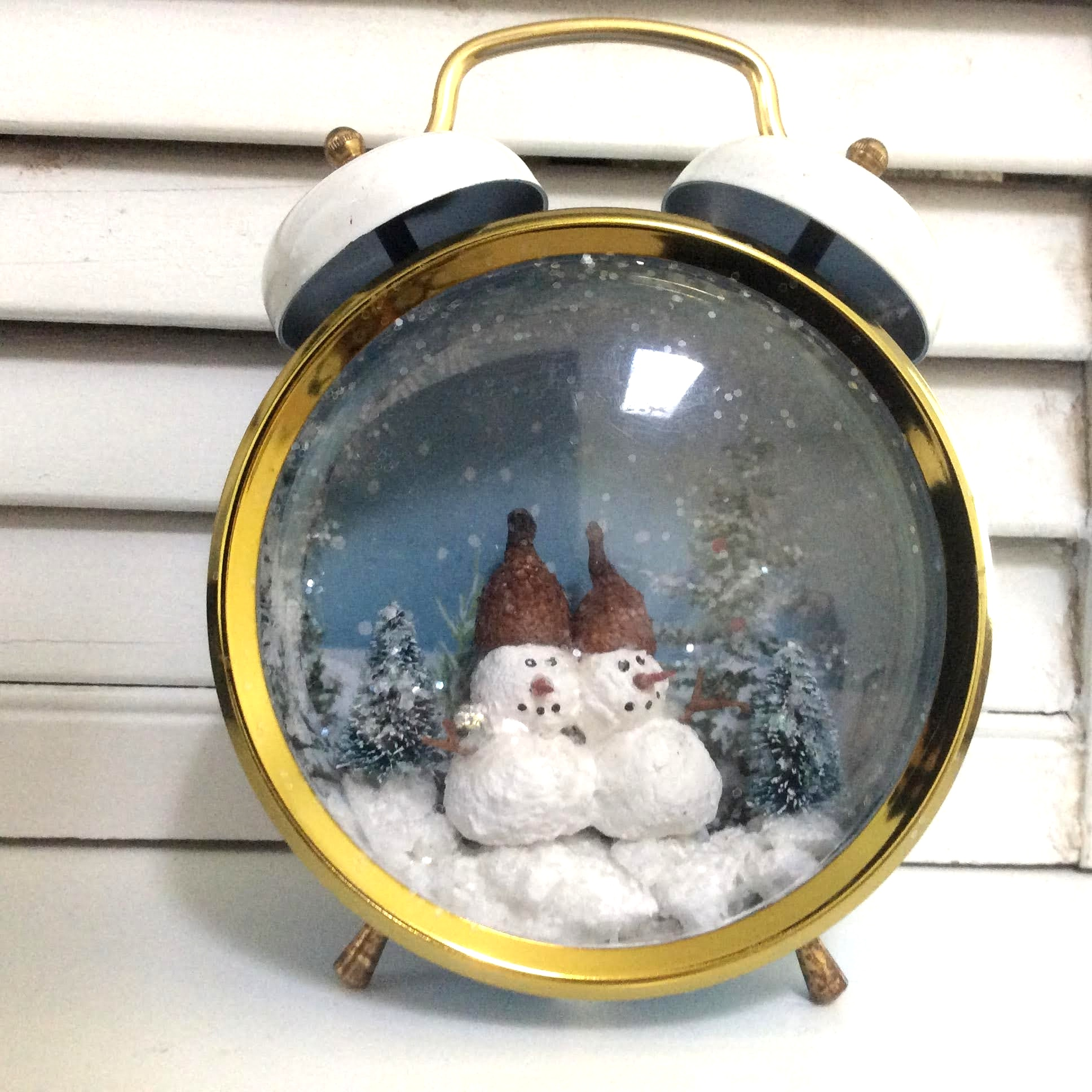 Clock snowmen snowglobe by Fresh Vintage By Lisa S, featured on DIY Salvaged Junk Projects 553 on Funky Junk!
