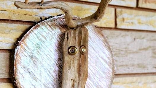 reclaimed wood Christmas reindeer head by Junky Encores