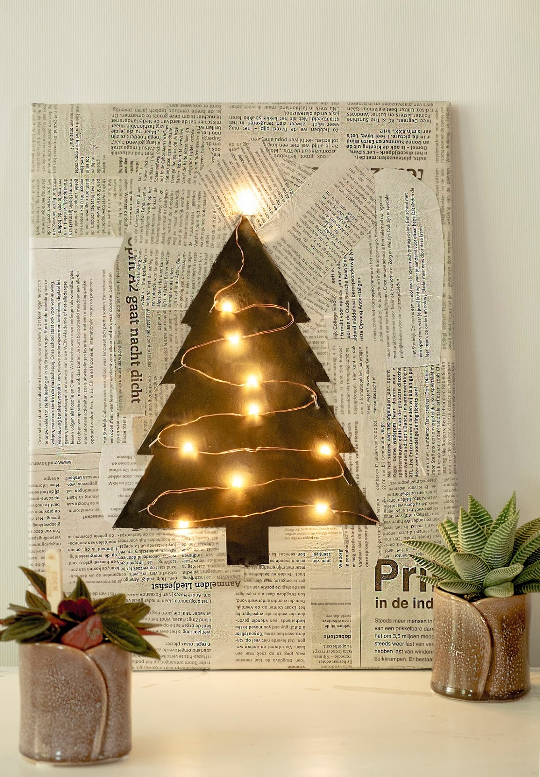 Illuminated Christmas tree wall art by Elsa R Blog, featured on DIY Salvaged Junk Projects 556 on Funky Junk!