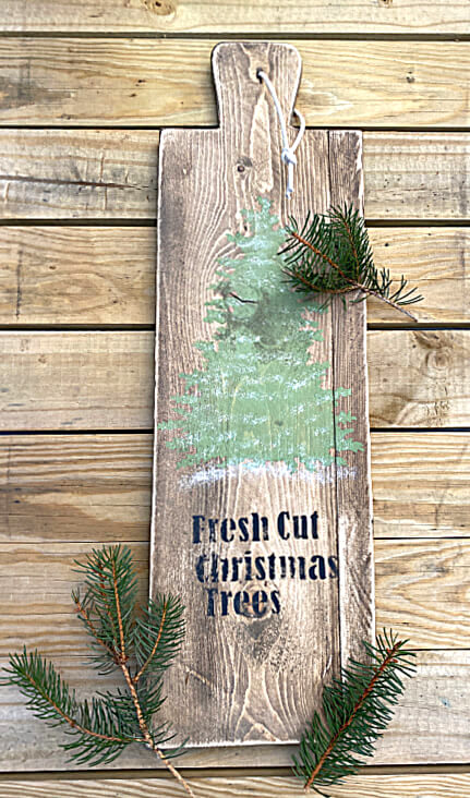 Christmas Tree themed cutting board by Homeroad, featured on DIY Salvaged Junk Projects 559 on Funky Junk!