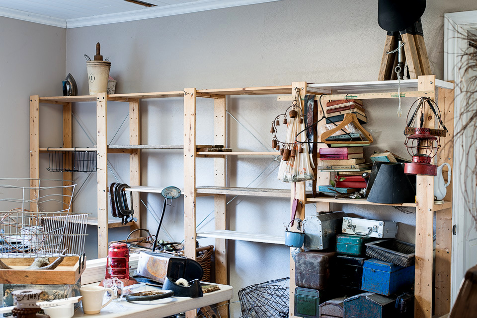 Ikea Gorm shelving for junk storage along a wall gets purged and ready to revamp!
