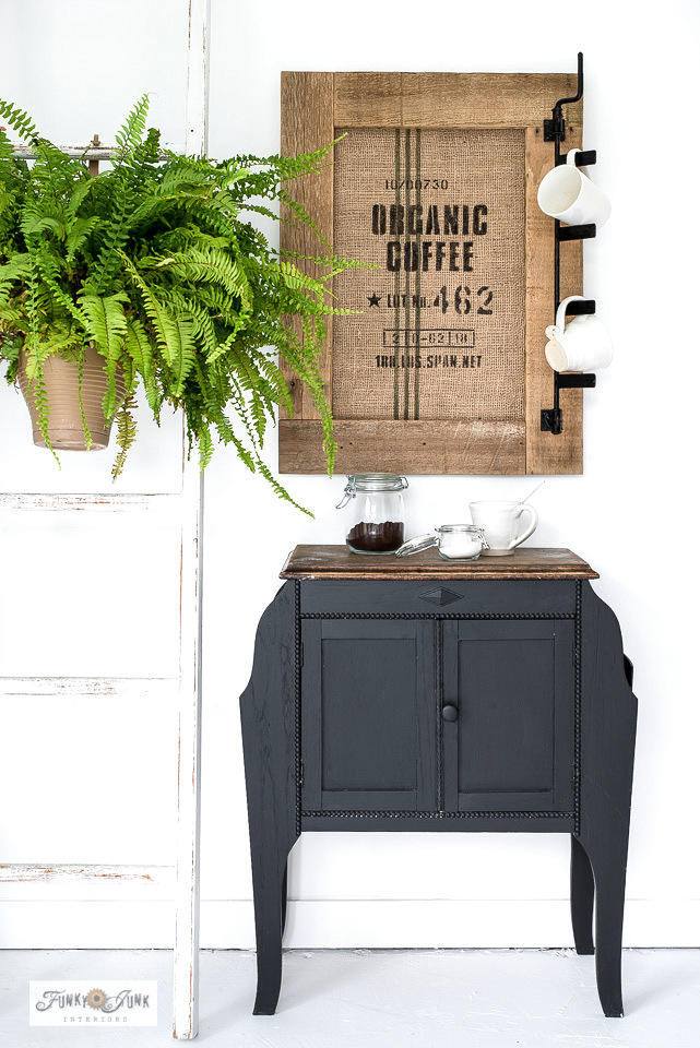 Learn how to make this authentic-looking rustic DIY coffee bean bag bulletin board sign with stencils! Perfect for a coffee station or to organize the office in coffee-style! Click to read full tutorial.