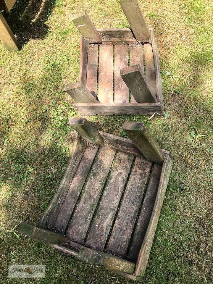 Learn how these gritty adirondack chair ottomen got an instant makeover with just a pressure washer! Click to read full tutorial.