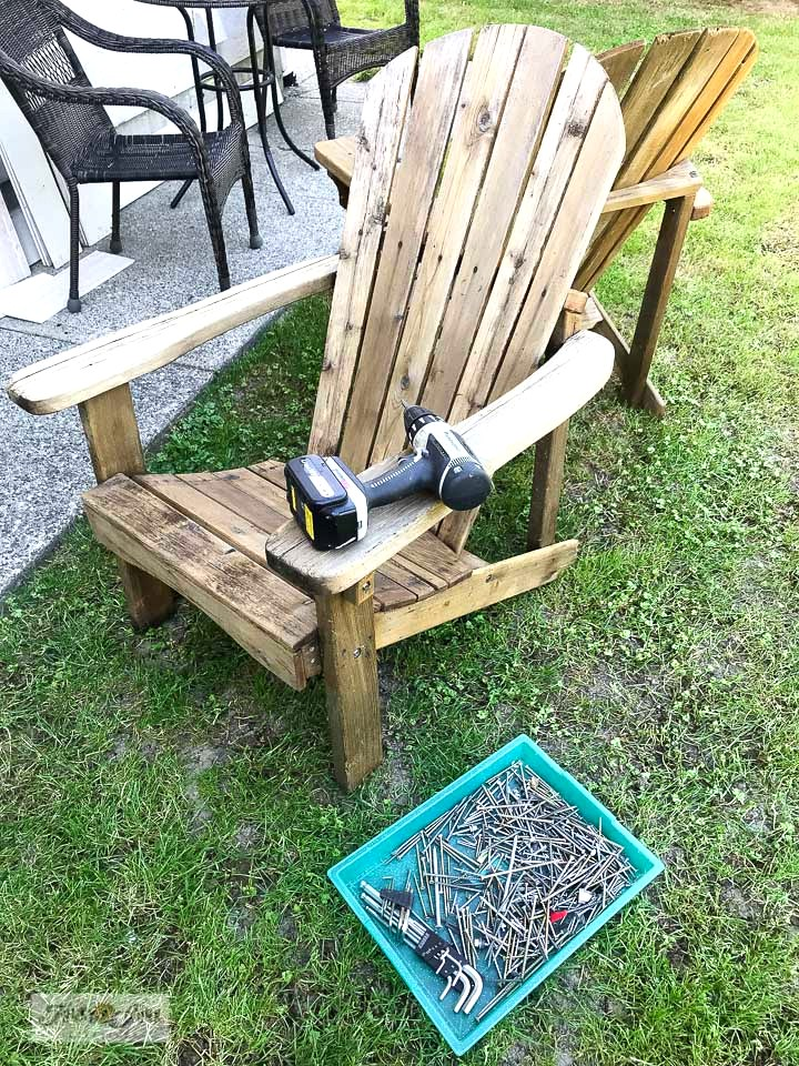 Learn how to tighten up loose joins on old adirondack chairs. Click to read full tutorial.