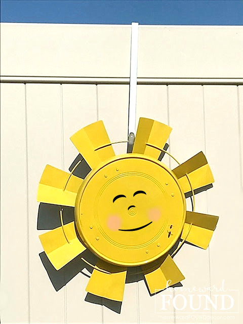 Farmhouse fan sun garden art by Homeward Found, featured on New Upcycled Projects to Make 581 on Funky Junk!