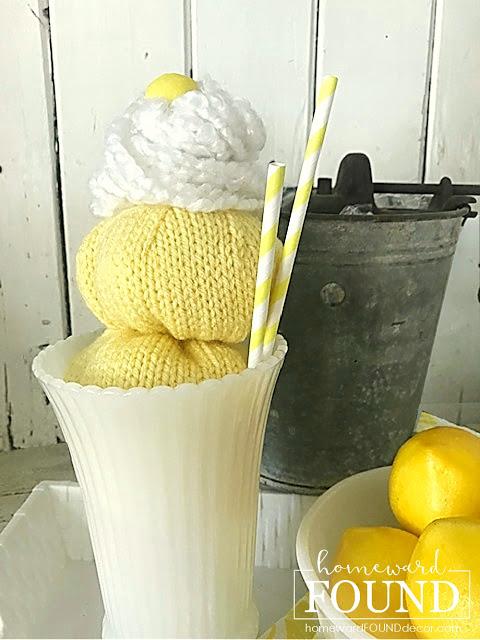Sundae de sorvete de suéter por Homeward Found, apresentado em Novos Projetos Upcycled para Fazer 585 no Funky Junk!