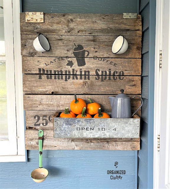 Rustic Pumpkin Spice fall sign by Organized Clutter, featured on New Upcycled Projects to Make 594
