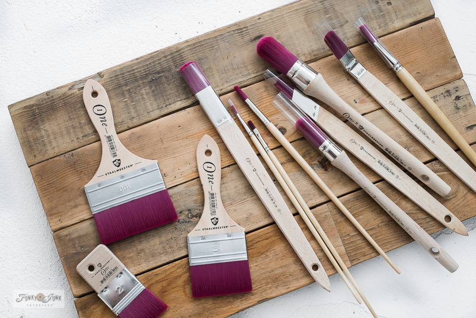 Learn about what makes the Staalmeester One Series paint brushes so special!