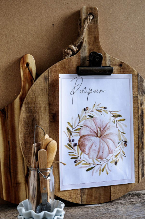 Pumpkin print with cutting board picture frame by Elsa R Blog, featured on New Upcycled Projects to Make 594