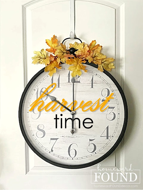 Fall harvest time clock sign by Homeward Found, featured on New Upcycled Projects to Make 595